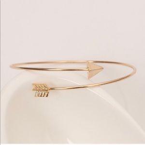 Jewelry - Woman's Arrow Bangle Bracelet Silver